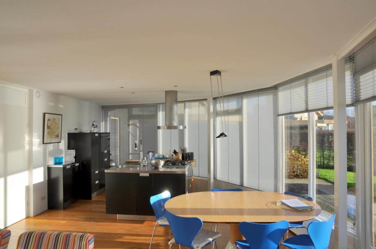 Keuken van vakantiehuis Aquaholic aan het water in Friesland in Koudum